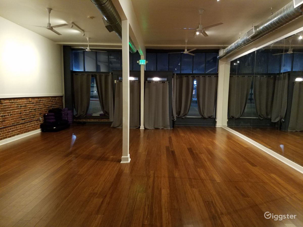 Rent Peaceful Yoga and Meditation Studio Beauty Services/Spa/Barber ...