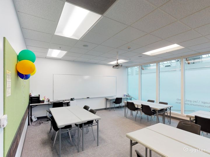 Fascinating and Spacious Classroom in Portland Photo 3