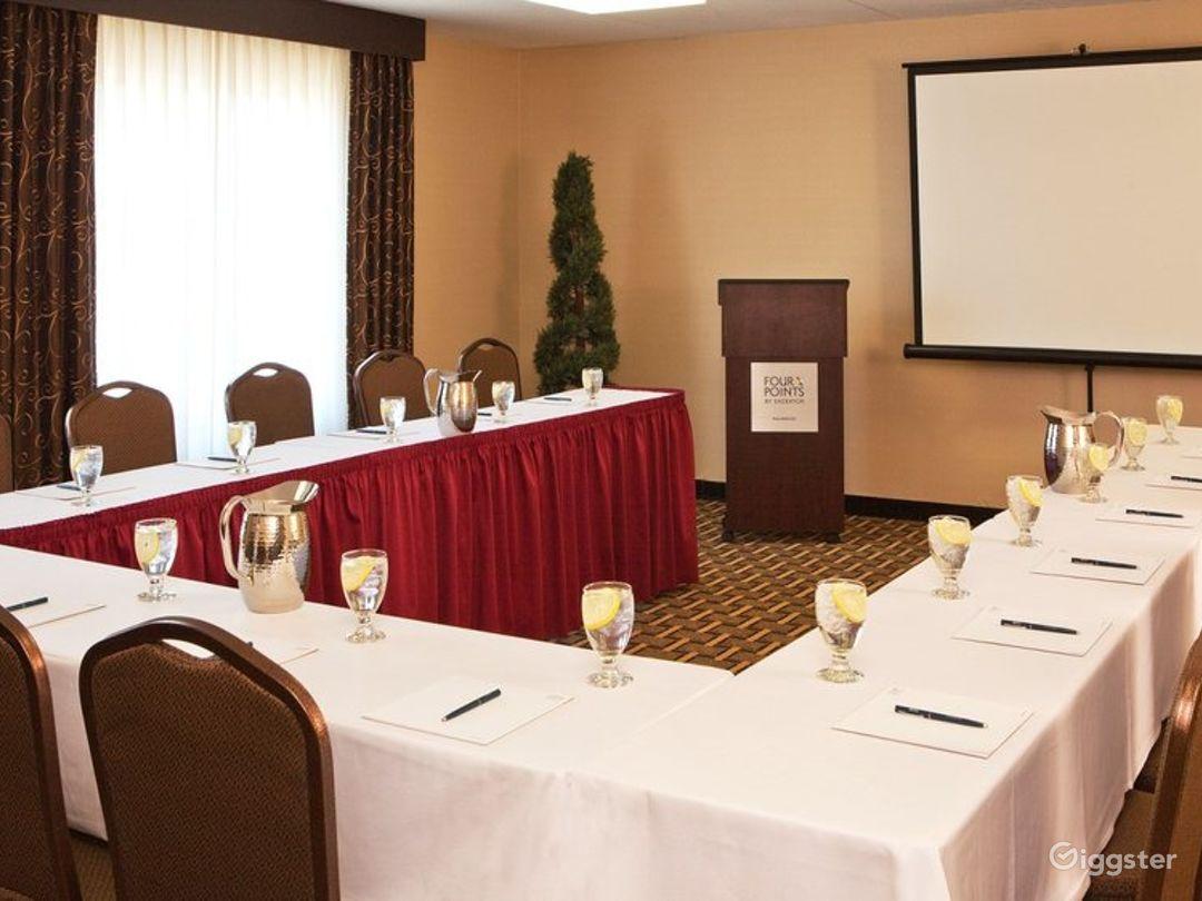 Elegant Crane Meeting Room in Kalamazoo Photo 1