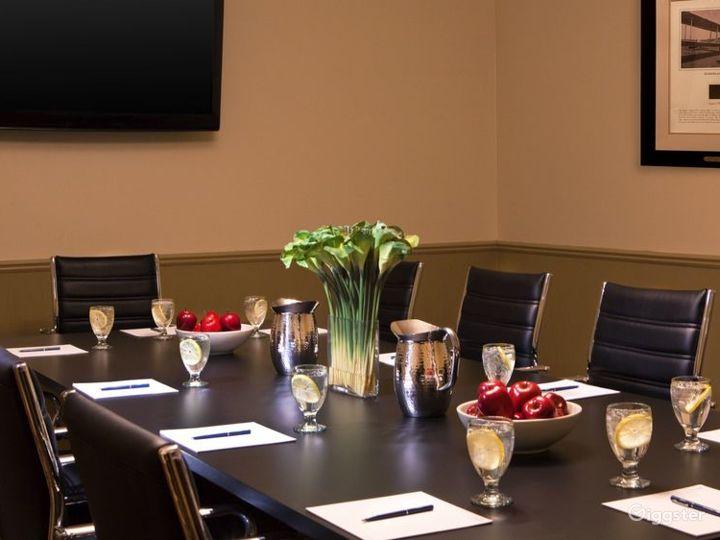 Elegant Crane Meeting Room in Kalamazoo Photo 3