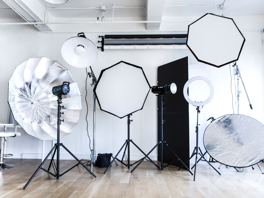 Studio in Chelsea with Natural lights. Photo 1