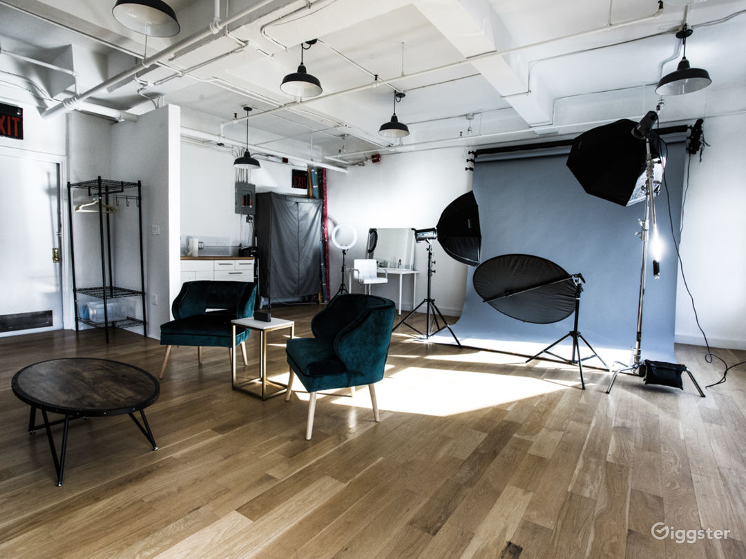 Studio in Chelsea with Natural lights. Photo 5
