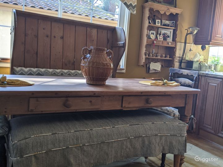 French farmtable,bench chairs in fily too with chandelier