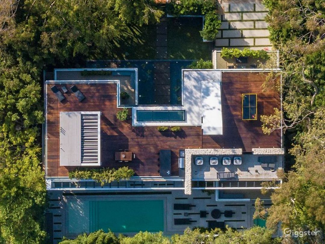 Sierra Alta Modern Tropical Mansion Photo 4