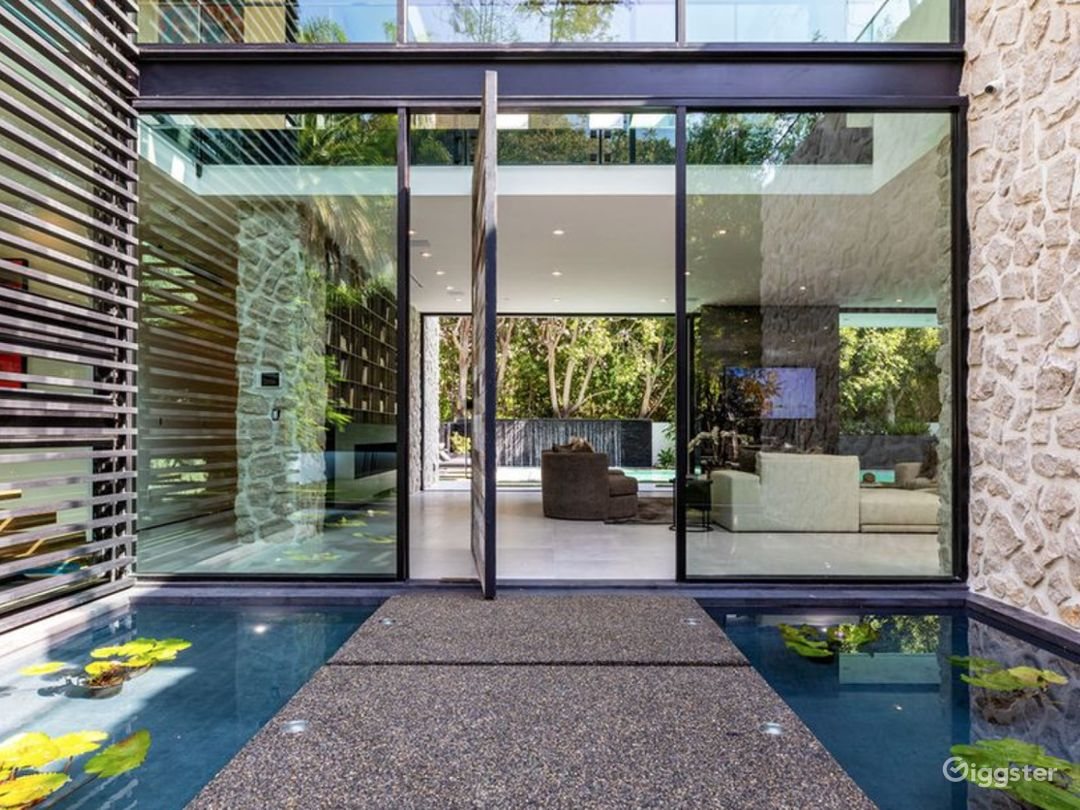 Sierra Alta Modern Tropical Mansion Photo 2