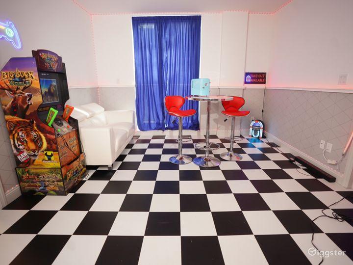 Spacious 2 bed/2 bath 7th Floor 3 Unique Rooms