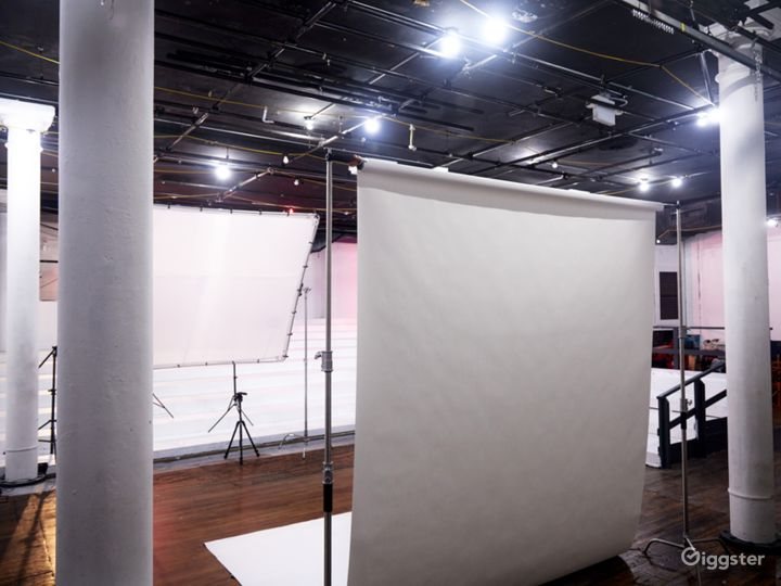 Studio in Historic NoHo theatre space Photo 3