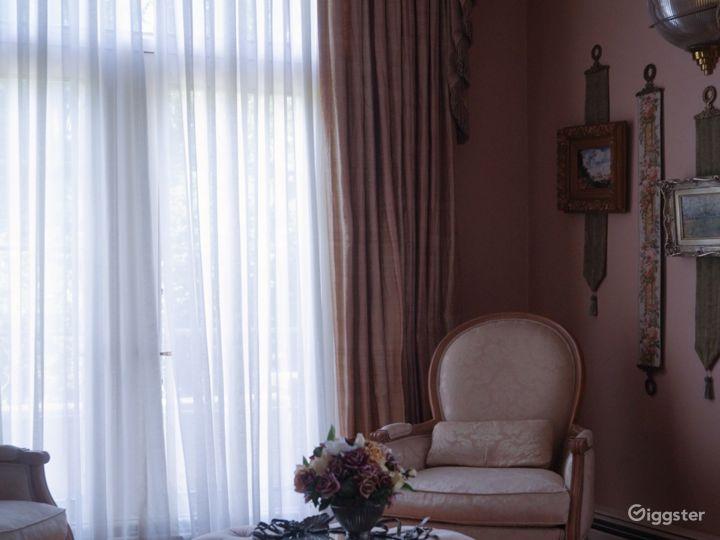 Ornate Spacious Mansion Doll House Photo 5