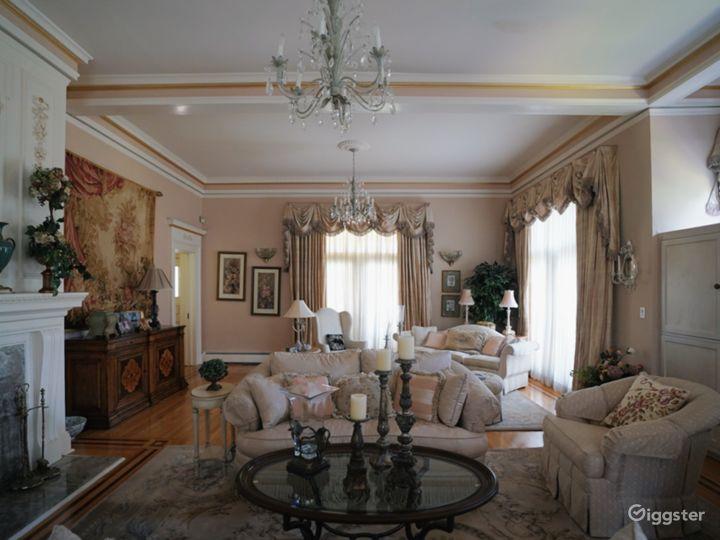 Ornate Spacious Mansion Doll House Photo 3