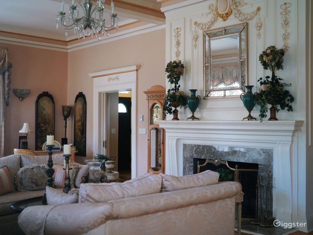 Ornate Spacious Mansion Doll House Photo 1