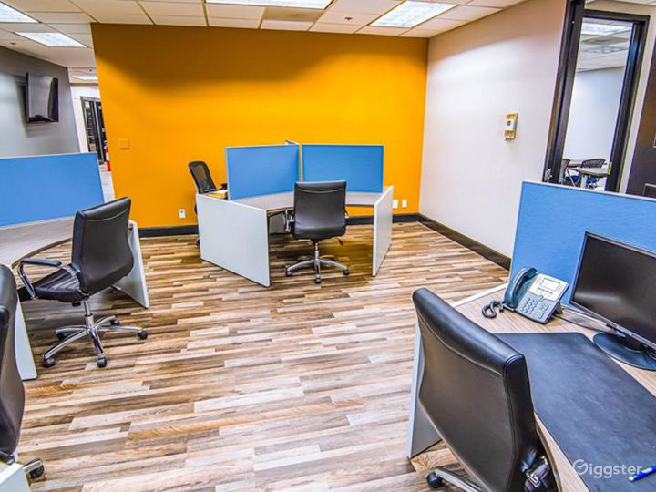 Modern Private Office Room in West Palm Beach Photo 5