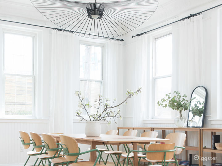Dramatic dining/meeting setup with seating for 10
