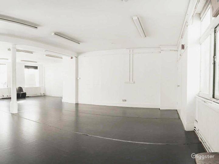 Bright and Spacious Rehearsal Room in London Photo 5