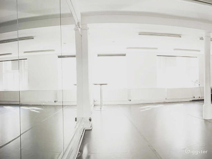 Bright and Spacious Rehearsal Room in London Photo 3