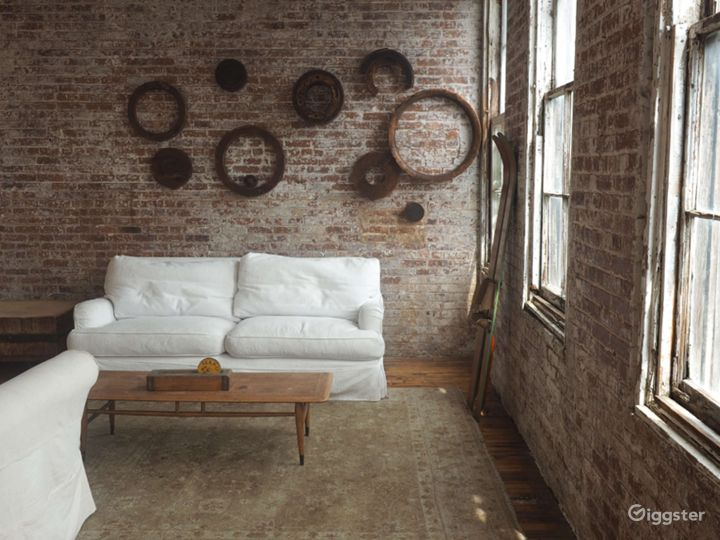 Studio with Chefs Kitchen and Exposed Brick Wall Photo 3