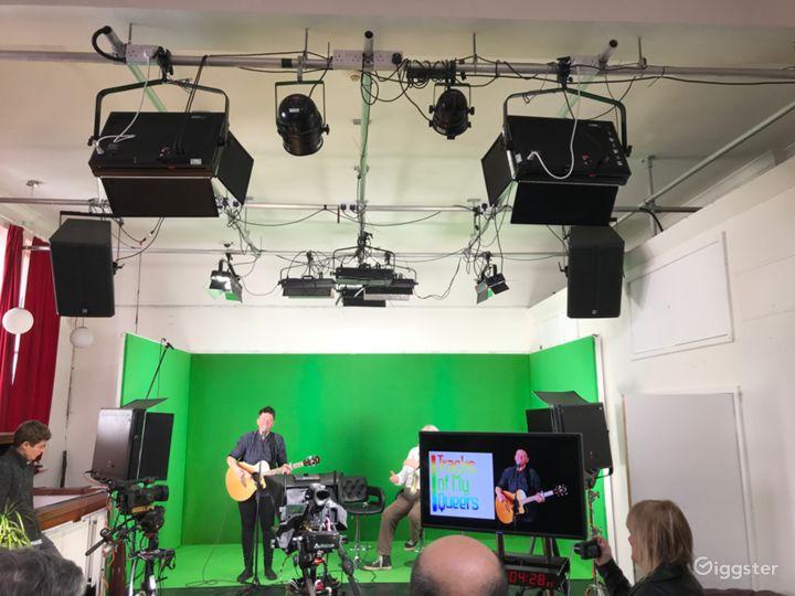 Latest TV and Recording Studio in Central Brighton Photo 4