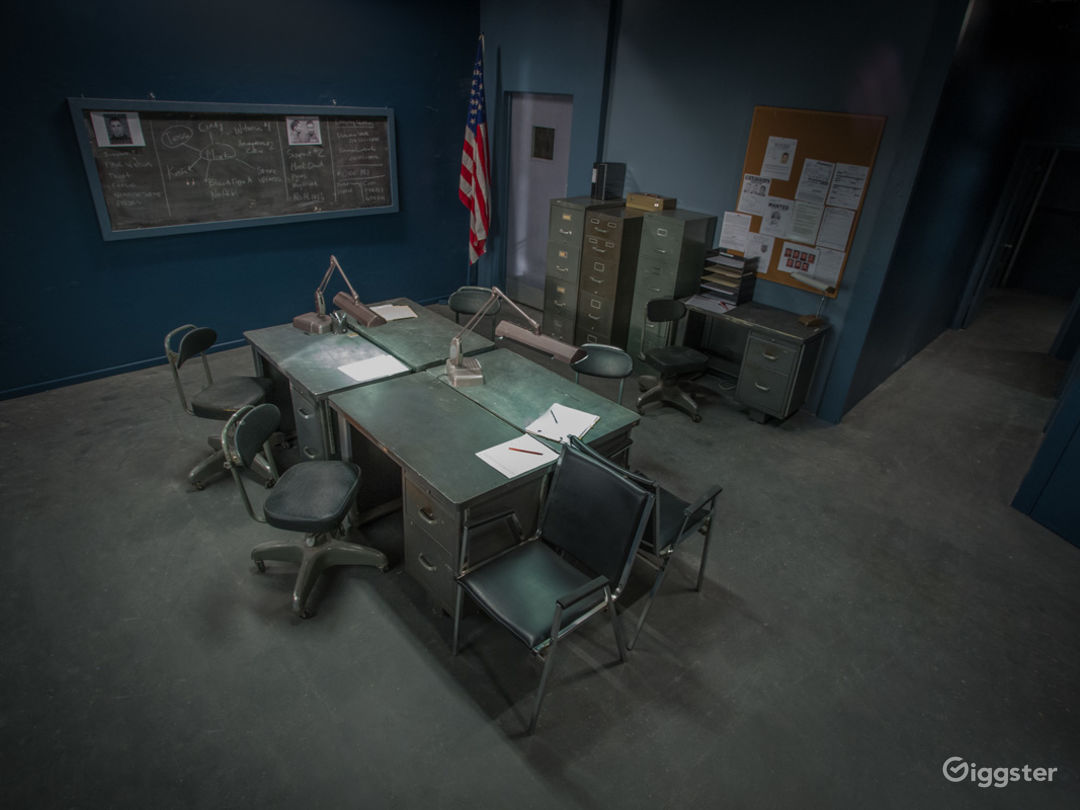 Police Station Standing Set Photo 1