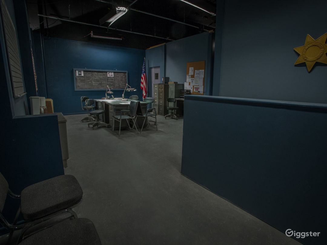Police Station Standing Set Photo 3
