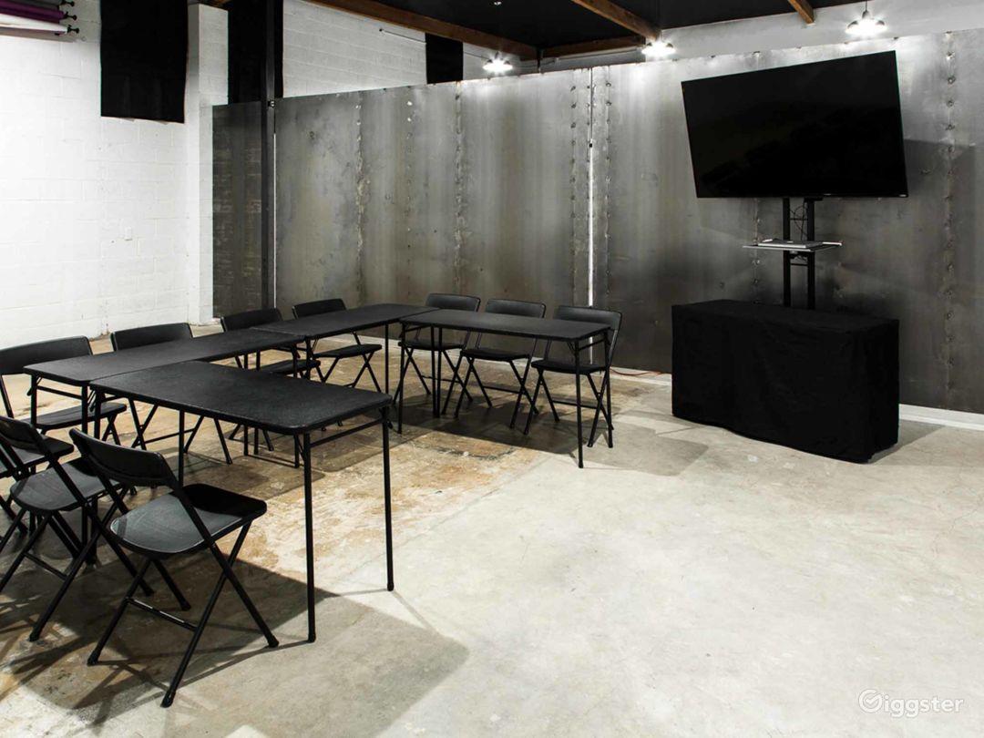 Contemporary Studio in Phoenix Photo 1