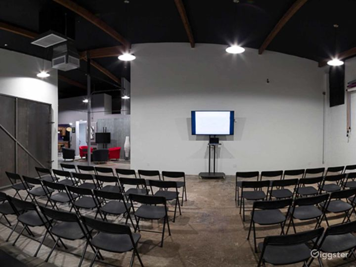 Contemporary Studio in Phoenix Photo 5