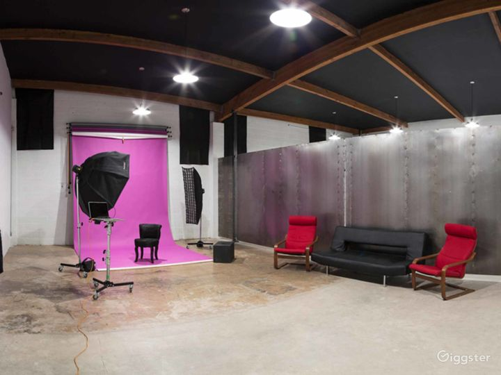 Contemporary Studio in Phoenix Photo 3