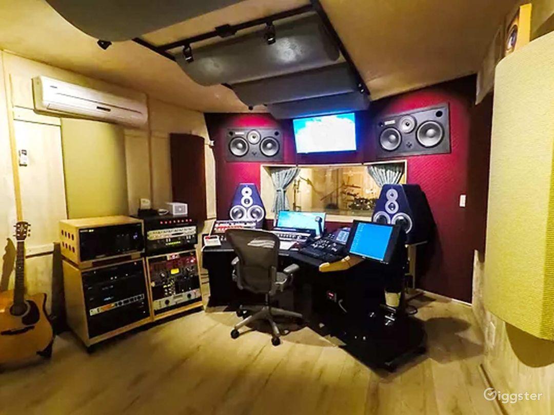 Recording Studio inside legendary Sound City Ctr Photo 1