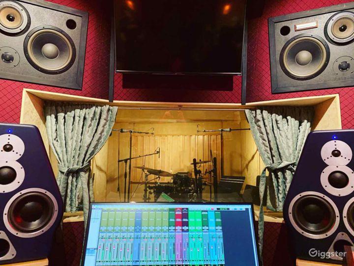 Recording Studio inside legendary Sound City Ctr Photo 3