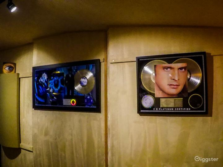 Recording Studio inside legendary Sound City Ctr Photo 4