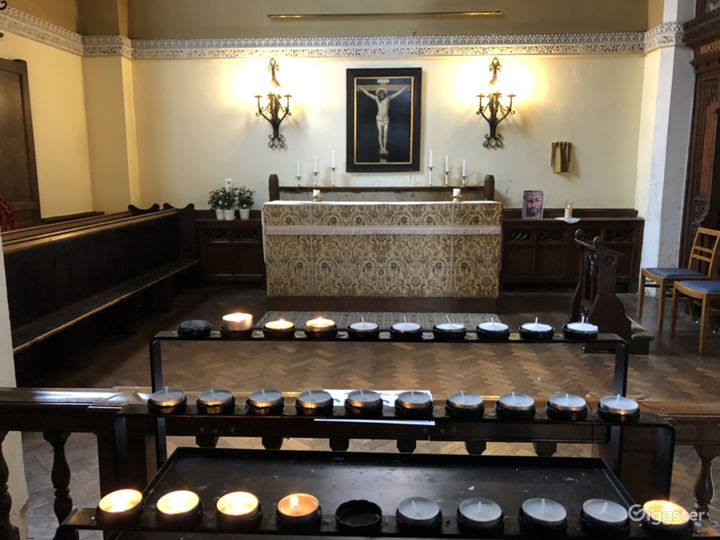 Traditional Victorian Church in London Photo 2