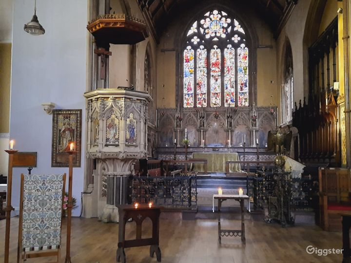 Traditional Victorian Church in London Photo 3