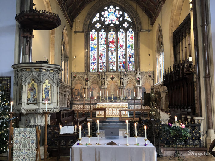 Traditional Victorian Church in London Photo 5