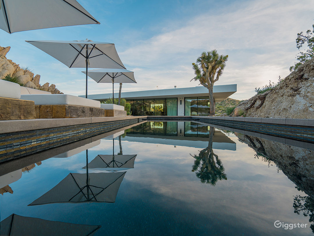 All Glass Villa in Joshua Tree Photo 5
