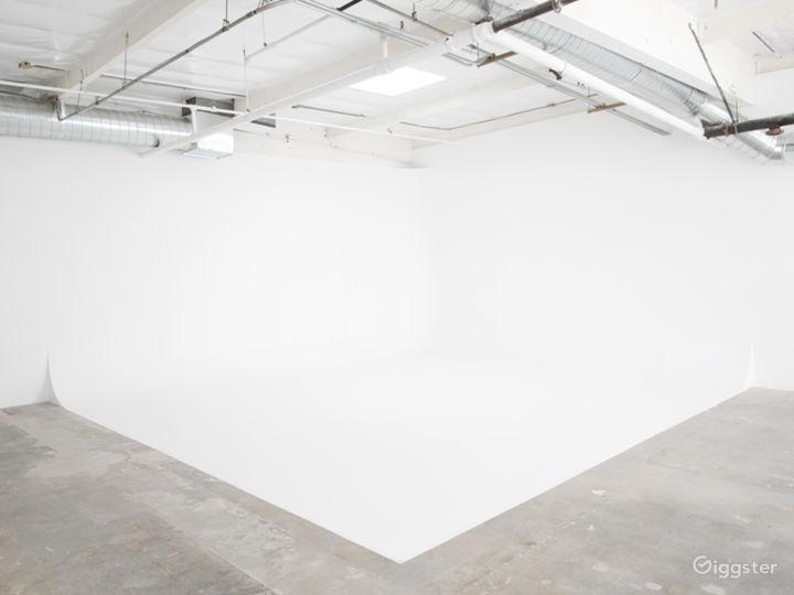 1800 sq ft  Production Space Photo 4