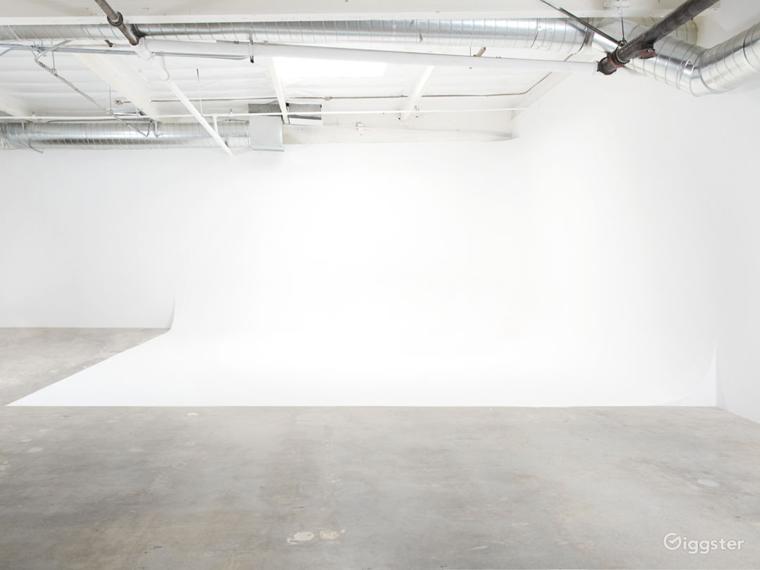 1800 sq ft  Production Space Photo 1