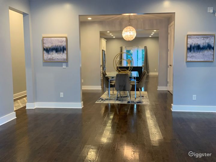 Foyer leading to dinning room with Handwood floors throughout.