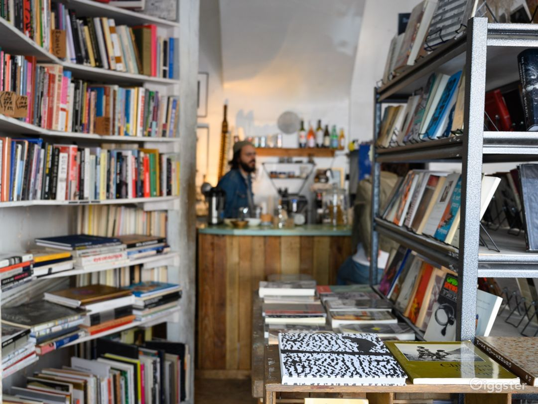 Small used bookstore, bar and cafe multi use space Photo 2