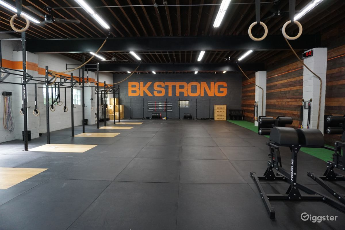Rent gym modern gym with lots of space dance fitness gym