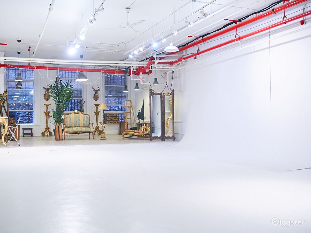 Photo Studio with Euro Chateau Furniture Props Photo 2