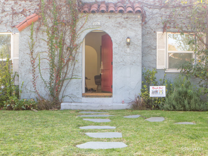 Magical Cottage on the Westside Photo 3