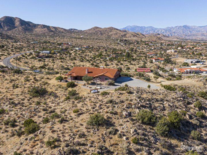 Desert ranch home, hilltop at Joshua Tree Park Photo 3