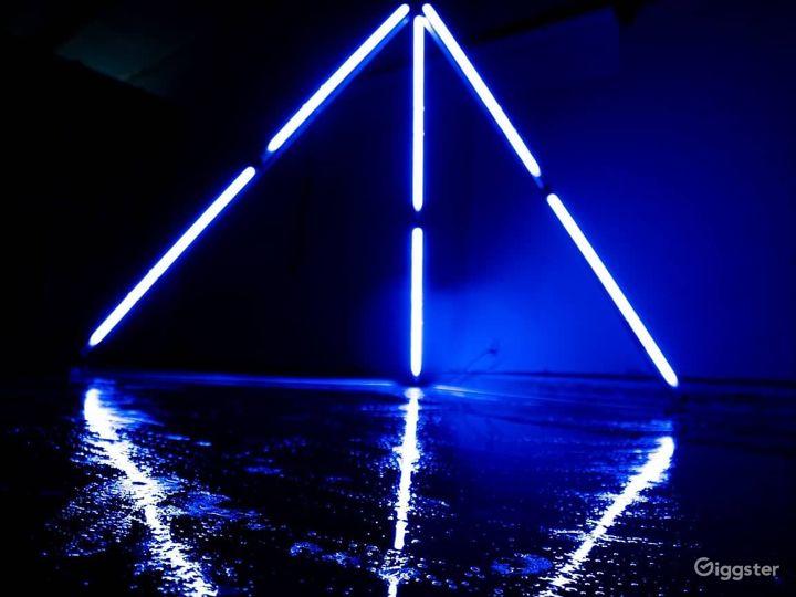 The light pyramid iconic⚡