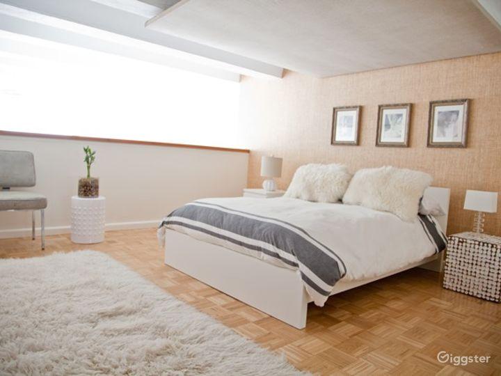 Bright modern NYC loft apartment: Location 5006 Photo 2
