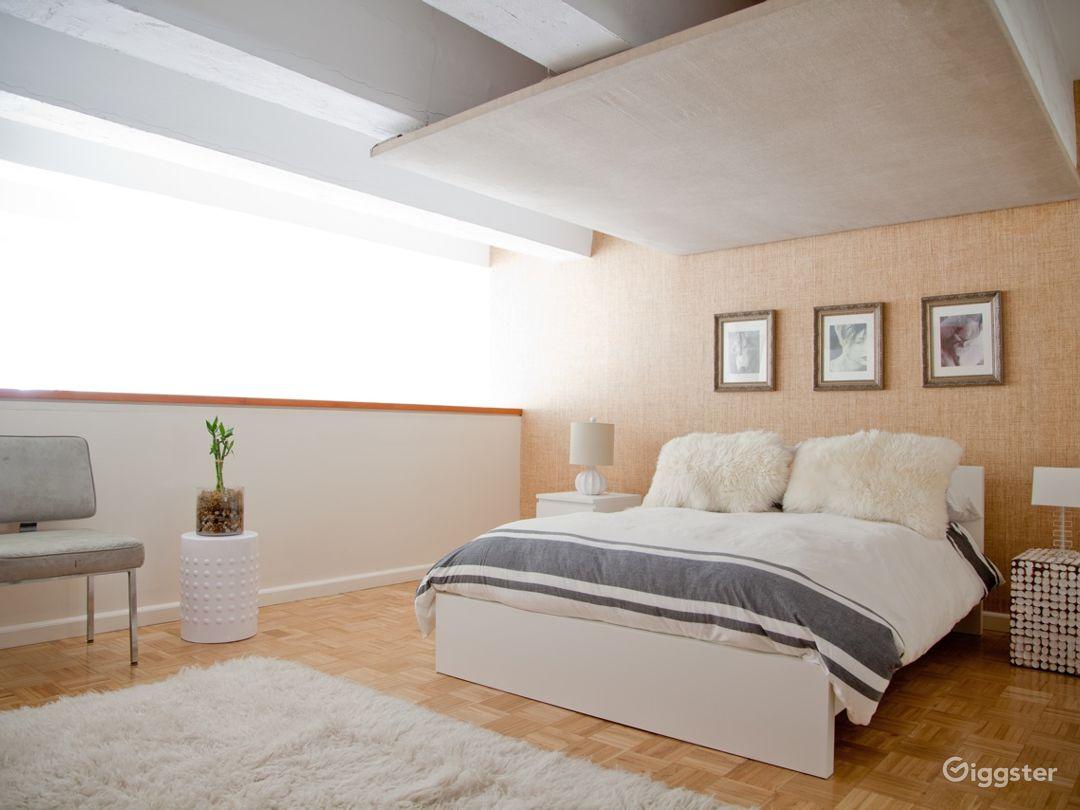 Bright modern NYC loft apartment: Location 5006 Photo 1