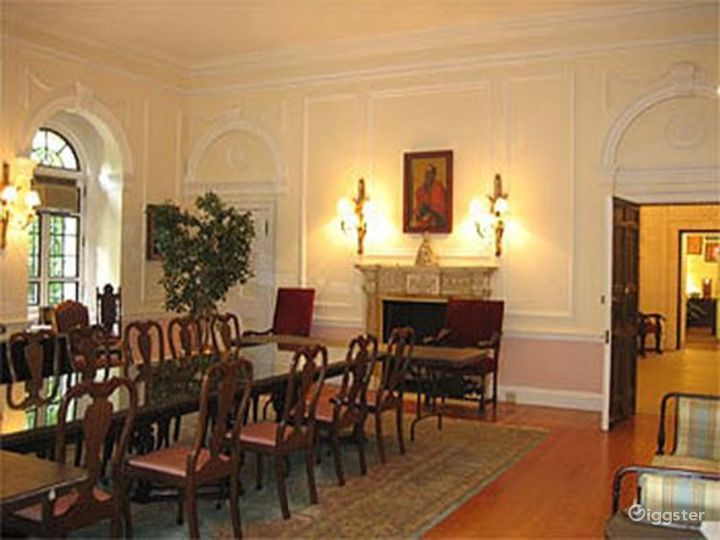 School in a NYC mansion: Location 335 Photo 5