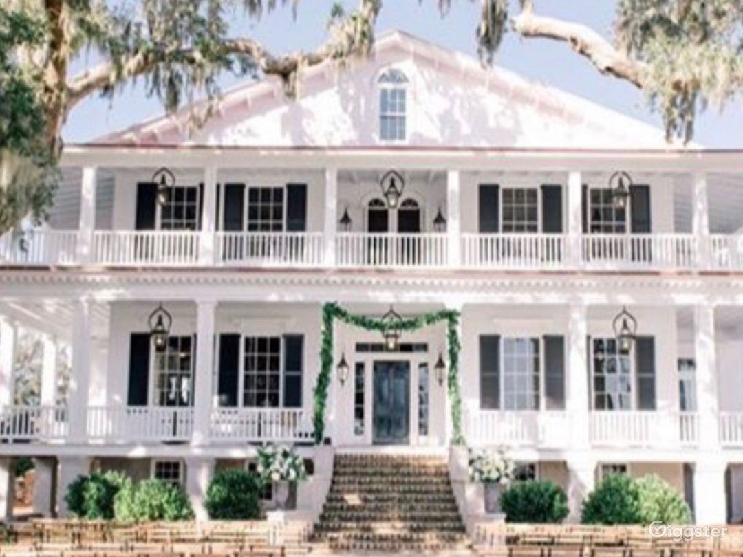 """Tidalholm, 1853 Antebellum mansion located on the Beaufort river.  Home to Hollywood films """"The Big Chill"""" (1983) and The Great Santini (1979).  Fully restored in 2019."""