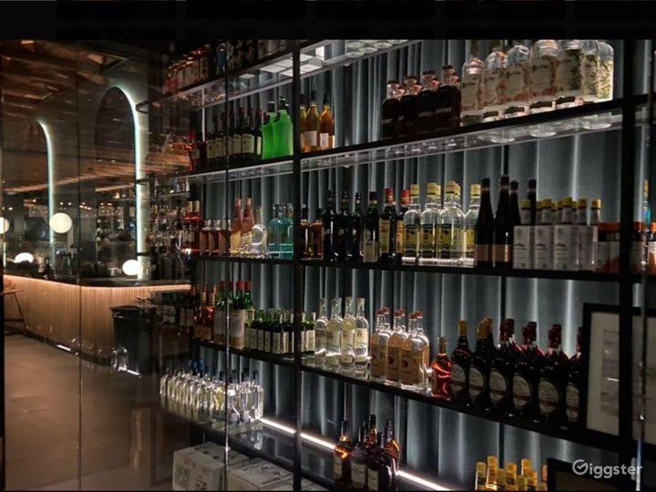 Contemporary high-end cocktail bar and izakaya Photo 5