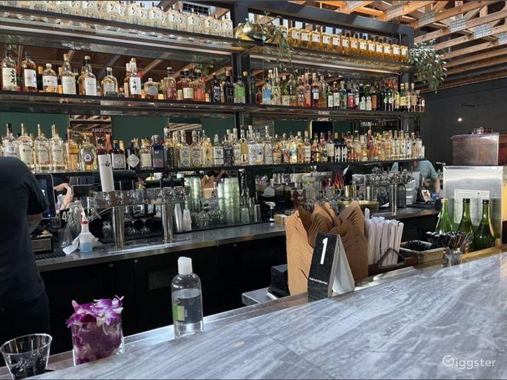 Contemporary high-end cocktail bar and izakaya Photo 3