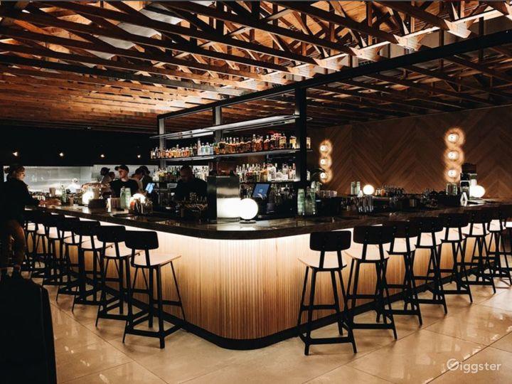 Contemporary high-end cocktail bar and izakaya Photo 2