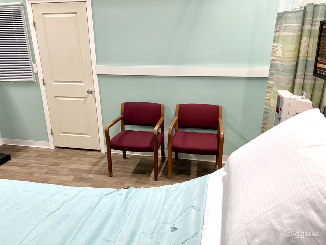 Hospital Room Set in Sound Proof Studio Photo 4