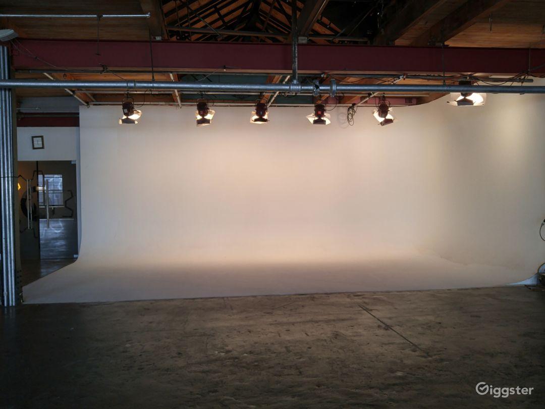 W. Chicago Studio Space Photo 5